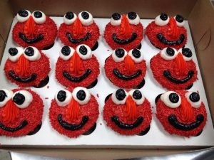 Elmo Cupcakes  (Photo obtained by https://www.facebook.com/Burntbaking)