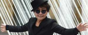 """Yoko Ono and The Flaming Lips cover """"Happy Xmas (War is Over)"""" (AP Photo)"""