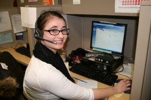 Student Rachael Mandel reaching out to alumni at the Phonathon (Photo by Samantha Mathewson / Charger Bulletin Photo)