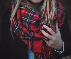 The perfect plaid scarf (Photo obtained via Pinterest)